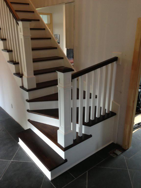 escaliers en bois menuiserie de l 39 estrie. Black Bedroom Furniture Sets. Home Design Ideas