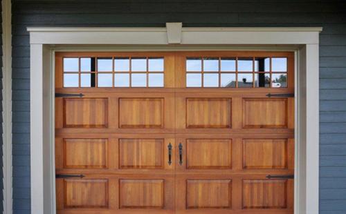 Porte de garage en bois menuiserie de l 39 estrie - Peindre porte garage bois ...