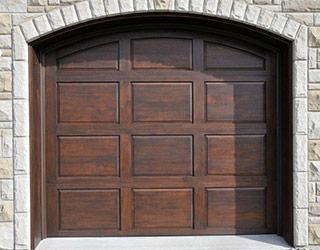 Portes de Garage en Bois - Ébénisterie Magog